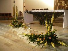 bukiety na ołtarz w kościele - Szukaj w Google