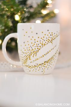 Super simple DIY coffee mug that is dishwasher safe!