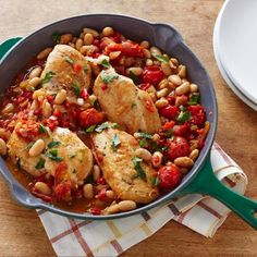 One-Pot Pan Seared Chicken Breasts with Cherry Tomatoes and White Beans @keyingredient #chicken #onepot #tomatoes