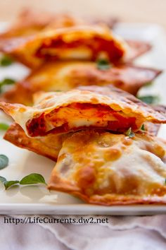 Easy Baked Pizza Wraps | Life Currents Blog