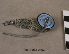 Mesh Coin Purse with Compact and Mirrors Inside (1900)