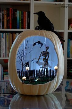 Pumpkin Diorama Projects: Rather than creating a diorama inside of a traditional box shape, students would love to create dioramas inside pumpkins during October and Halloween. Happy Halloween, Image Halloween, Casa Halloween, Holidays Halloween, Halloween Pumpkins, Halloween Party, Spooky Pumpkin, Fake Pumpkins, Halloween Customs