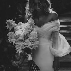 Wedding Goals, Wedding Pics, Wedding Bride, Wedding Styles, Dream Wedding, Pretty Prom Dresses, Wedding Dresses, One Day Bridal, Beautiful Bride