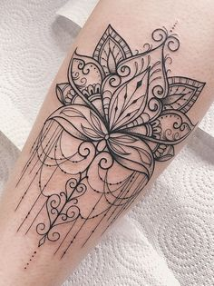 40 Simple Cute Tattoo Ideas Designs For You These trendy Tattoos ideas would gain you amazing compliments. Check out our gallery for more ideas these are trendy this year.The Most Beautiful Mandala Tattoos ever - TopstoryfeedPlacement: back if thigh Mini Tattoos, Trendy Tattoos, Leg Tattoos, Flower Tattoos, Body Art Tattoos, Small Tattoos, Tattoos For Women, Tatoos, Female Arm Tattoos