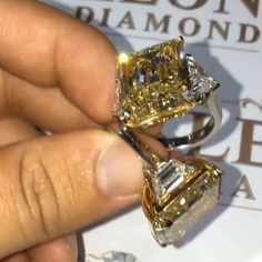 WHAT ARE YELLOW DIAMONDS? Most likely you already know that white diamonds are graded from D to Z on diamond colour scale. As the letter… Diamond Jewelry, Jewelry Rings, Jewelry Accessories, Fine Jewelry, Jewellery, Diamond Color Scale, Fashion Rings, Fashion Jewelry, Colored Diamonds