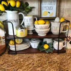 40 Favorite Farmhouse Summer Decor Ideas 30 – Home Design Farmhouse Side Table, Country Farmhouse Decor, Farmhouse Style Kitchen, Modern Farmhouse Kitchens, Farmhouse Ideas, Country Kitchen, Vintage Farmhouse, Country Living, Rustic Decor