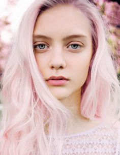 when I'm an old crazy lady I'm going to color my hair light pink like this!!!