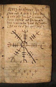 """Grimorio Seidr. SEIDR: (nórdico antiguo: seiðr) El seiðr o seid es la forma de chamanismo nórdico con prácticas de hechicería y adivinación. En la época vikinga el ejercicio del seiðr era considerado ergi (femenino), por lo que mayoritariamente era practicado por mujeres llamadas völvas, o seiðkona. También había algunos practicantes masculinos denominados seiðmaðr (lit. """"hombre del seid""""); si además era considerado homosexual se le denominaba seiðskratti (hechicero)"""