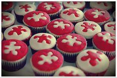 Puzzle wedding cupcakes