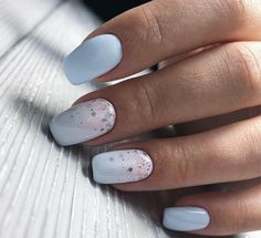 Semi-permanent varnish, false nails, patches: which manicure to choose? - My Nails Light Blue Nails, Baby Blue Nails, Baby Nail Art, Blue Gel Nails, Cute Nails, Pretty Nails, My Nails, Spring Nail Art, Spring Nails