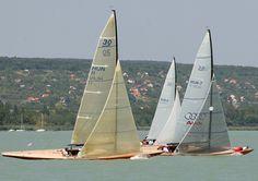 Die ungarische Flotte besteht aus 19 überwiegend überholten Klassikern.  © Ungarische 30er Klassenvereinigung