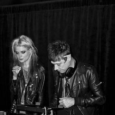 Alison Mosshart & Jamie Hince of The Kills : liquid skin Alison Mosshart, Band Posters, My Rock, Under The Stars, I Icon, Queen, Rock Style, Music Stuff, Music Bands