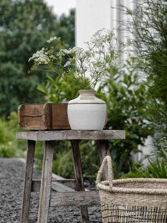 SHOPPING   Gartendekoration Must-Haves - mxliving Garden Bulbs, Garden Pots, Outdoor Planters, Outdoor Gardens, Vintage Garden Decor, Farmhouse Garden, Queen Annes Lace, Growing Vegetables, Dream Garden
