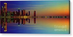 Between Night And Day Chicago Skyline Mirrored Acrylic Print featuring the photograph Between Night And Day Chicago Skyline Mirrored by Tom Jelen