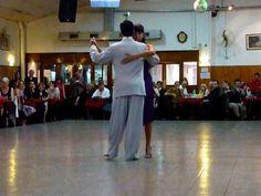 Roxana Suarez & Sebastián Achaval en la Baldosa - Junto a tu corazón, via YouTube.