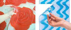 """Baldosas de gel  Las llamadas """"baldosas de gelatina"""" están fabricadas con gel de poliuretano, material que permite que sean recolocables con poco esfuerzo y sin requerir mano de obra especializada. Son blandas, flexibles y presentan varios grados de transparencia con posibilidades decorativas infinitas."""