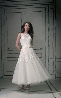 A-Line natürliche Taile romantisches Brautkleid mit Schmetterlingsknoten mit Applikation