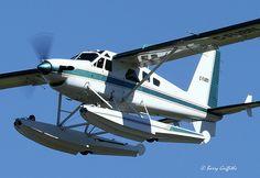Dehavilland Turbo Beaver C-FUBN @ Collingwood Regional Airport ON Canada Aviation World, Aviation Art, Bush Plane, Float Plane, Flying Boat, Aircraft Pictures, Fighter Jets, Sea Planes, Beavers