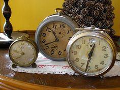 Relojes antiguos en http://www.letrecivettefattoamano.com/2010/05/raggio-di-sole.html