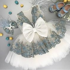 Easter may be over, but we are not over this pretty dress! Our Kaylea Dress 👗 Visit our website to see all of our styles 👉🏼…Visit Itty Bitty Toes now - The Best Children's Boutique!Online Children's Boutique featuring the latest European T Dresses Kids Girl, Kids Outfits, Flower Girl Dresses, Baby Dresses, Flower Girls, Baby Girl Fashion, Kids Fashion, Kids Frocks, Baby Kind