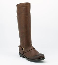 Footwear Unlimited's brands include BareTraps, Andrew Geller and Wear.Ever. Our commitment is to provide a broad  assortment of fashionable products that are always comfort oriented, affordably priced, and certain to create an enjoyable 'footwear' experience.