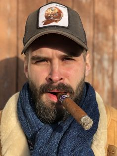 Pipe Smoking, Man Smoking, Cigar Smoking, Sheepskin Throw, Sheepskin Jacket, Cigar Men, Good Cigars, Smokers, Vintage Photos