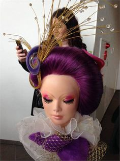 A closer look at the mannequins represented at the Yamano International Beauty Forum in Tokyo, Japan. Competition Hair, Hairstylist Quotes, Avant Garde Hair, Cosmetology Student, Crazy Hair Days, High Fashion Makeup, Chef D Oeuvre, Hair Shows, Fantasy Makeup