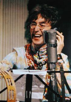 The Beatles featuring Paul McCartney George Harrison John Lennon and Ringo Starr Imagine John Lennon, Sean Lennon, John Lennon And Yoko, John Lennon Beatles, John Lennon Paul Mccartney, Yoko Ono, Ringo Starr, George Harrison, Rare Pictures