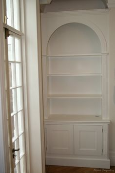 Our bespoke alcove units come with base cabinets and wall shelving. The proper alcove bookcases or alcove floating shelves are designed to fit any space. Dining Room Remodel, Custom Built Cabinets, Dining Room Small, High Ceiling Living Room, Living Room Shelves, Alcove Shelving, Shelves In Bedroom, Alcove Ideas Living Room, Living Room Tv Unit Designs