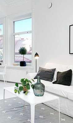 Via NordicDays.nl | Compact Living: One Bedroom Apartment