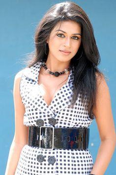 Shraddha Das single again.