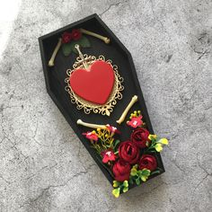 Gothic wall mount ⚰️ #homedecoration #halloween #interiordecor Frame Wall Decor, Framed Wall, Frames On Wall, Wall Art Decor, Shabby Chic Frames, Vintage Frames, Wooden Plaques, Wall Plaques, Heart Wall Art