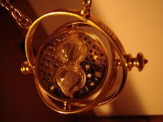 The_time_turner. Harry Potter | I need this!