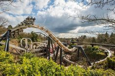 Celebrate 25 years of the nail-biting Nemesis rollercoaster at Alton Towers Resort with this special three day event Alton Towers Rides, Top Ride, Parc A Theme, Thorpe Park, Park Around, Cool Themes, Stoke On Trent, Days Out, Roller Coasters