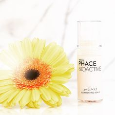 Our secret to The PHACE Glow: PHACE BIOACTIVE's Illuminating Serum with 15% pure Vitamin C, 2% Plant Stem Cells, and 1% Gallic Acid. Say goodbye to wrinkles, brown spots and dull skin. #thephacelife #ph #balance #phbalance #glow #pure #health #wellness #beauty #clearskin #healthyskin #natural #naturalskincare #antiaging #selflove #mindfulness #lifestyle #skin #skincare #thephaceglow #vitaminc