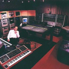 Hans Zimmer in his studio. The genius behind countless movie scores & soundtracks- Pirates of the Caribbean, Batman, Homeward Bound, Spirit, Inception, The Amazing Spider Man, & many more. His music is so beautiful & it takes the films from good to great.