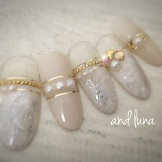 Definitelly need to re-srock on fake pearls and golden tape to make those marble beauties