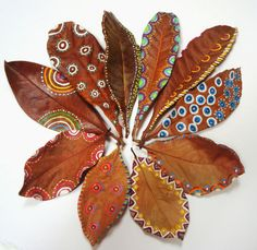 whatjanesaw: Elena Nuez http://ift.tt/1KMil8T Painted leaves!