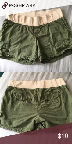 0428dc8bc8356 Old Navy maternity shorts - 12 Reposh since this did not fit me. Old Navy  Shorts