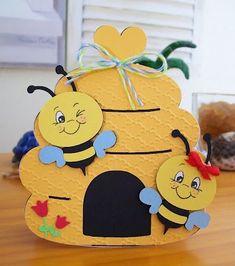 """Здравствуйте, я - пчёлка!) карточки """"Насекомые"""" сравним как выглядят шмель, пчела, оса так выглядят королева, рабочая пчела и трут..."""