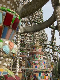 Sculpture at Simon Rodia's Watts Towers by Susan Manlin Katzman Huntington Park California, Watts Towers, Sculpture Art, Sculptures, Leo Sign, Water Signs, Cancer Sign, Fire Signs, Sun Light