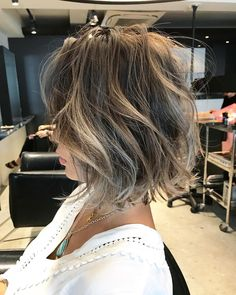 Pin on Hair /color Pin on Hair /color Short Hair Cuts, Short Hair Styles, Hidden Hair Color, Gray Hair Highlights, Hair Color Asian, Lob Hairstyle, Blond, Light Hair, Tips Belleza