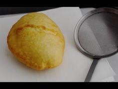 Connaissez vous le bokit? C'est un sandwich, au pain frit qui est une spécialité guadeloupéenne. Pour l'agrémenter vous pouvez y mettre ce que vous voulez: d...