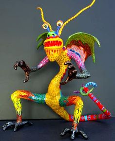 Have you ever seen an Alebrije? ♣ Alebrijes are brightly coloured Mexican folk art sculptures of fantastical creatures. The first alebrije originated with Pedro Linares. In when he was 30 yea… Paper Clay, Paper Art, Sculpture Lessons, Sculpture Art, Wire Sculptures, Abstract Sculpture, Bronze Sculpture, Theme Harry Potter, Paper Mache Crafts