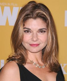 View yourself with Laura San Giacomo hairstyles and hair colors. View styling steps and see which Laura San Giacomo hairstyles suit you best. Golden Globe Award, Golden Globes, Celebrity Hairstyles, Easy Hairstyles, Tnt Drama, Laura San Giacomo, Garry Marshall, Celebrity Biographies, Saving Grace