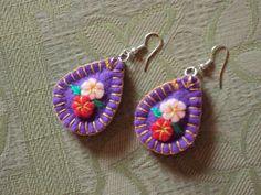 Fabric Earrings, Fabric Jewelry, Diy Earrings, Crochet Earrings, Felt Crafts Diy, Fabric Crafts, Sewing Crafts, Handmade Decorations, Felt Decorations