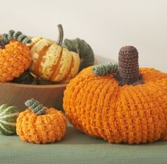 This amigurumi pumpkin pattern is so simple, and it& the perfect Thanksgiving crochet craft for your centerpieces! Crochet Crowd, Crochet Fall, Holiday Crochet, Halloween Crochet, Diy Crochet, Crochet Crafts, Yarn Crafts, Crochet Toys, Crochet Projects
