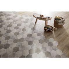 Optez pour ce carrelage de sol FARO, à l'esprit des hexagones sans la contrainte de pose grâce à son format encastrable.