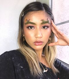 Apparently, even Spring isn't safe from brow trends. After Easter arches, garden brows are newest trend in town, and they're actually surprisingly chic.   As