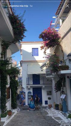 Europe Day, Greece Travel, Greece Trip, Beautiful Paris, European Summer, Gap Year, Summer Dream, Summer Pictures, Travel Aesthetic